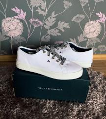 Tommy Hilfiger cipő | ÚJ!