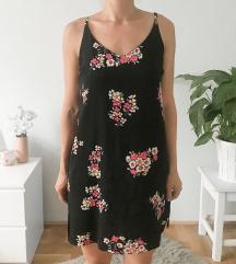 Virágos pántos ruha