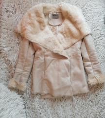 Bézs szőrmés irha kabát