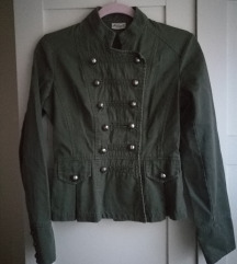 Átmeneti zöld kabát