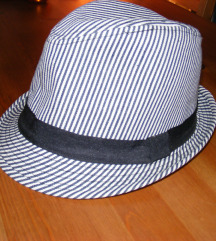 Új kalap M-L