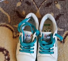 Fehér-kék sportcipő 35-ös