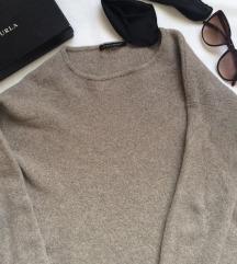 300 eurós eredeti luxus nyersgyapjú pulóver