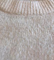 fehér vastag pulcsi
