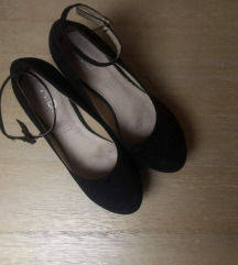 Női telitalpú cipő 38