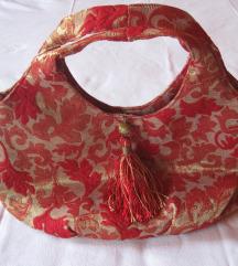 Keleties hímzett piros női kistáska Velencéből