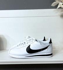 Nike Classic Cortez Cipő
