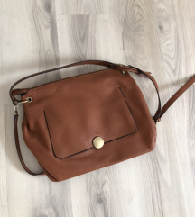 C&a barna bőr táska