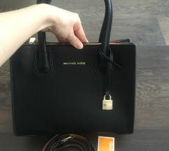 MK fekete táska