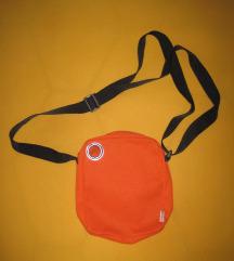 Narancssárga kistáska utazótáska gyerekeknek is