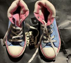 Converse kislány cipő 31,5
