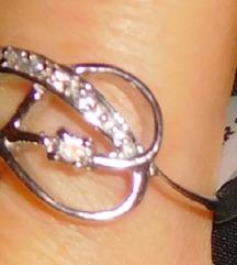 Új, gyönyörű ezüst gyűrű Szuper Akció %%