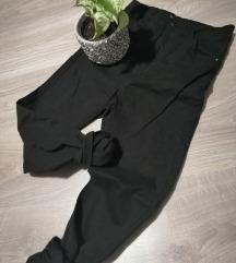 Reserved, 36-os magasderekú fekete nadrág
