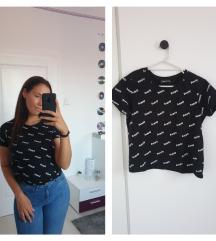 Fekete feliratos póló