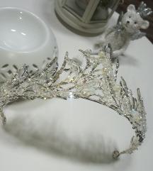 Új, Menyasszonyi tiara