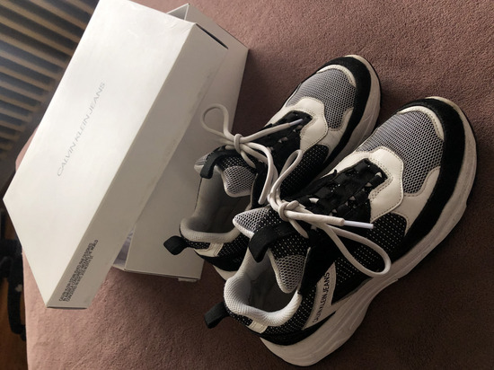 Calvin Klein 39-es cipő