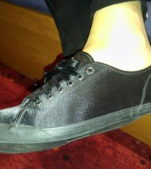 Le coq sportif márkájú cipő 37
