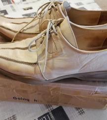 Eladó Női bőr félcipő