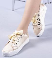 Új 37-es cipő eladó!