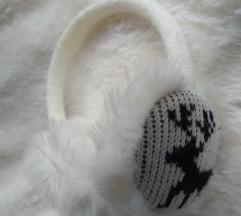 Fülmelegítő szarvas mintával