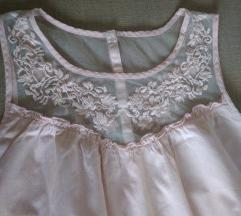 lenge rózsaszín csipkés nyári ruha