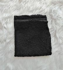 Fekete csipkés szoknya