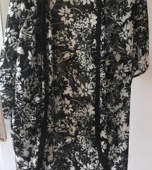 Virágos fekete fehér kimono