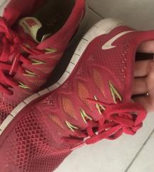 Nike futócipő 38
