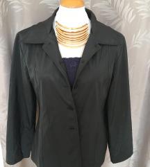 Átmeneti vékony kabát