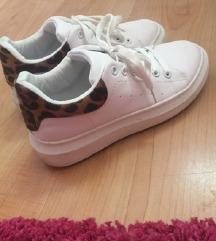 Állatmintás cipő