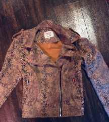 velur kigyóbőr mintás kabát