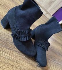 Fekete zoknicsizma