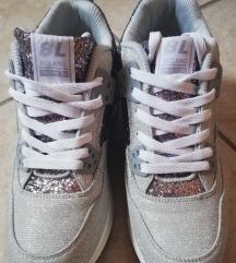 Vadonatúj magasított cipő 40