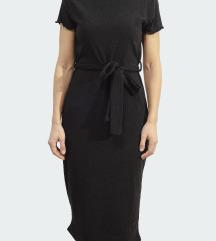 Fekete bordázott midi ruha