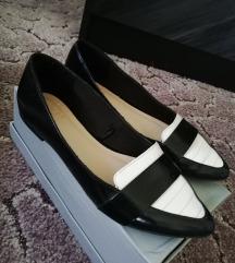 fekete-fehér cipő