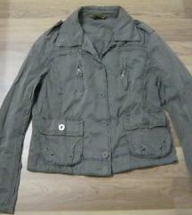 Barnás-zöld kabátka