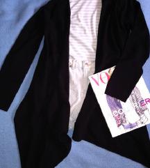 Fekete elől hosszú, kötött pulóver