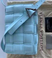 Bottega  Veneta kék bőrtáska