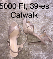 Catwalk platform szandi