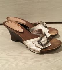 Fa talpú cipő