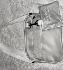 Átlátszó táska