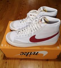 Nike edzőcipő (Nike Blazer '77 VNTG White/Red)