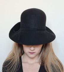 Fekete női gyapjú kalap 54cm