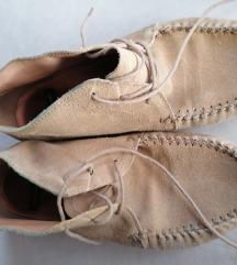 37-es Vagabond velúr cipő