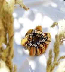 Sárga kockás scrunchie