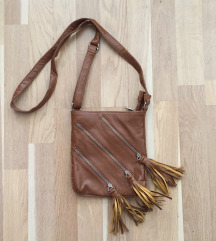 Barna rojtos hosszú pántos oldaltáska táska