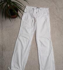Vékony fehér női nadrág