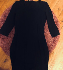 Pamut testhezálló fekete mini ruha