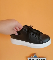 Alig használt magasított talpú cipő bth:26 cm