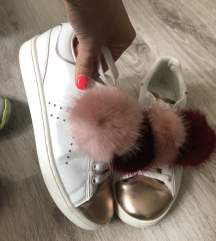 36-os női cipő